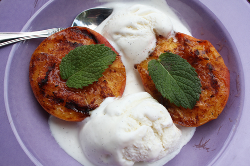 grilledpeaches1500
